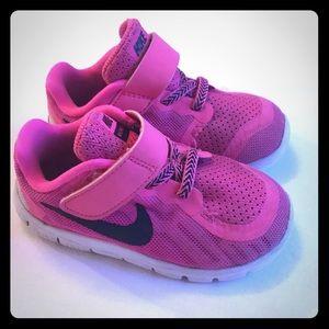 Pink Toddler Nike Free Shoes - Size 7